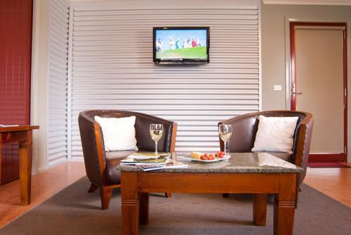 large_u1_lounge_1